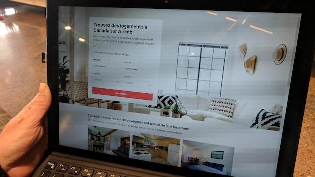 Site Internet d'Airbnb sur un ordinateur portable.