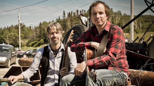 Le duo formé d'André Lavergne et Éric Dion pour Gaspericana, son deuxième album complet (2017).