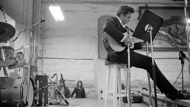 Le chanteur Johnny Cash photographié par Jim Marshall