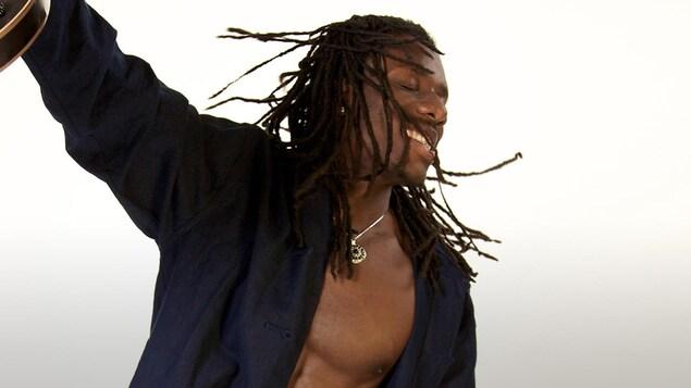 Wesli présente 21 chansons sur son 5e album, Rapadou Kreyol