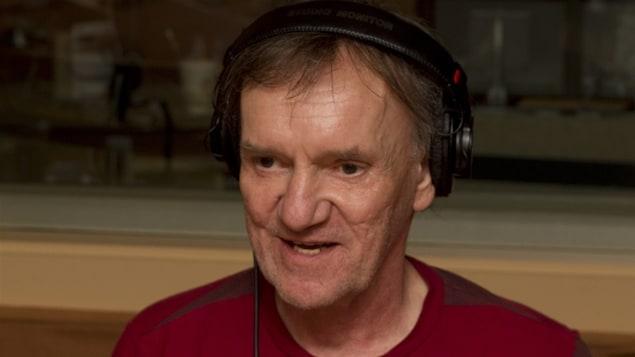 Dominique Lévesque, au studio 18 de Radio-Canada