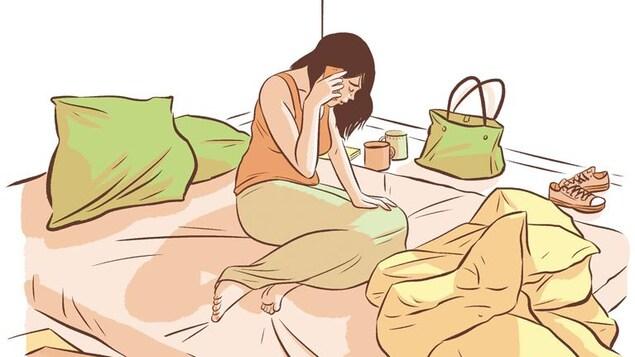 Dessin montrant une jeune femme triste assise sur un lit en train de parler su téléphone.