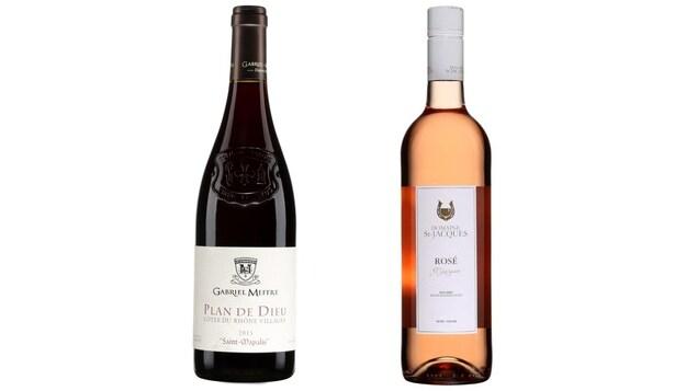 Deux bouteilles de vin, rouge et rosé.