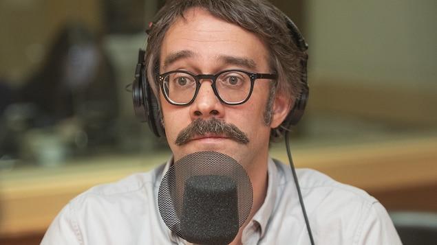 François Létourneau au micro de Stéphan Bureau.
