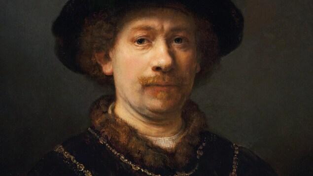 Gros plan d'une peinture qui le représente posant pour un portrait avec un grand chapeau.
