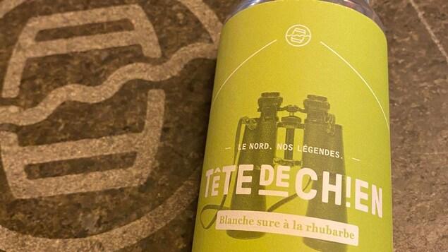 La bière sûre à la rhubarbe Tête de chien de la microbrasserie St-Pancrase de Baie-Comeau.