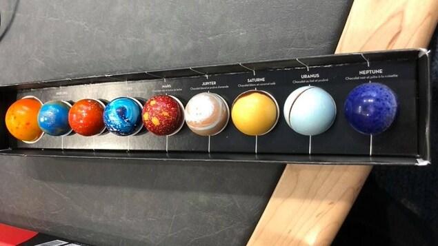 Des chocolats aux couleurs des planètes