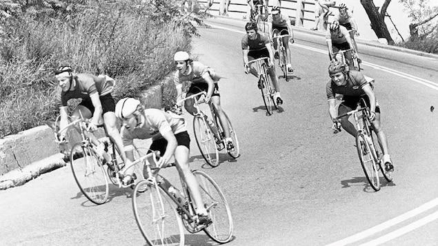 La descente du Mont-Royal à vélo