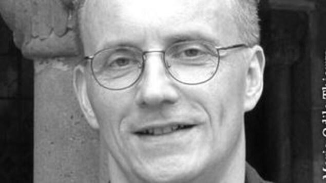L'auteur et historien Éric Thierry