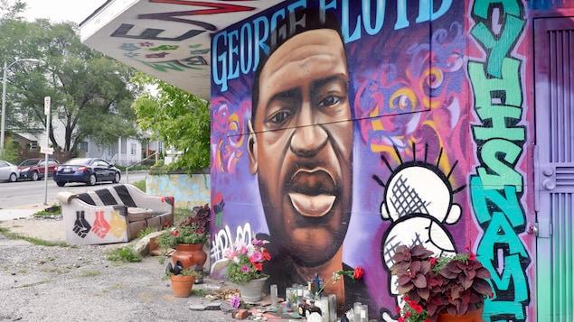Une murale à la mémoire de George Floyd, au nord du centre-ville de Milwaukee.
