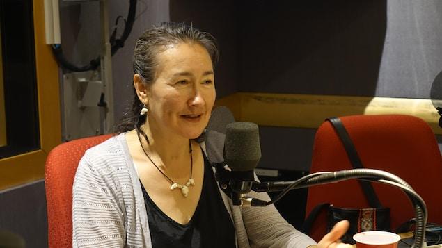 L'ethnologue inuk Lisa Qiluqqi Koperqualuk en entrevue radio