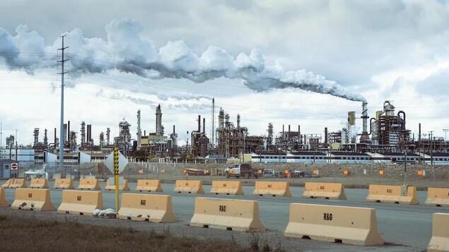Les installations de la pétrolière Syncrude à Fort McMurray.