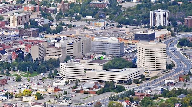 Vue aérienne du centre-ville de Sudbury.