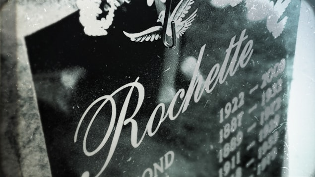 La pierre tombale où la famille Rochette a fait graver le nom de Marie-Paule Rochette en 2016.