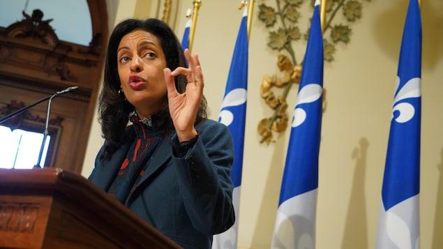 Dominique Anglade en point de presse à l'Assemblée nationale.