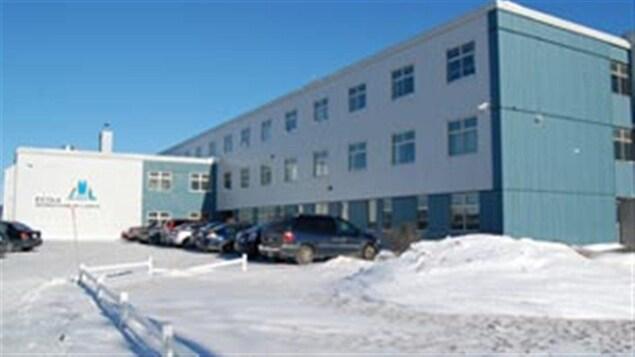 L'école Monseigneur Labrie de Havre St-Pierre, en hiver.