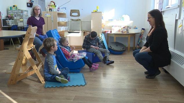 À l'école primaire de St-Bruno-de-Guigues, la classe Libellule, adaptée spécifiquement pour les enfants atteints de déficience intellectuelle.
