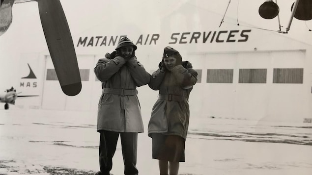 Gérard ''Gerry'' Burnett et Elspeth Russell à l'époque de Matane Air Services.