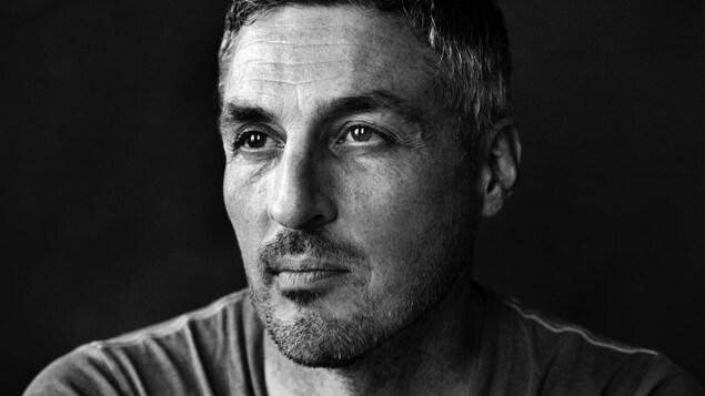 Portrait professionnel de Finbarr O'Reilly.