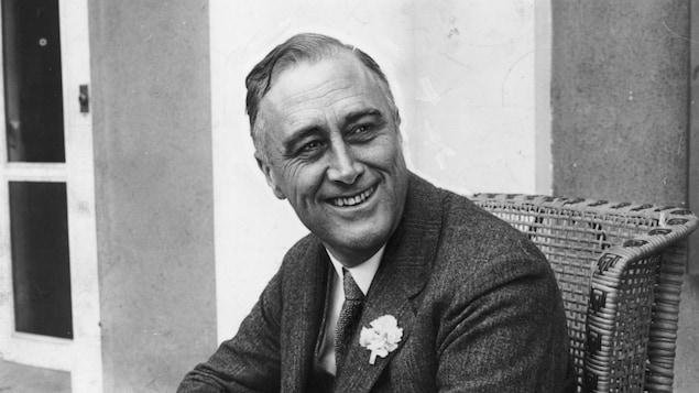 Franklin Delano Roosevelt en 1928 alors qu'il était nouvellement élu gouverneur de l'État de New York