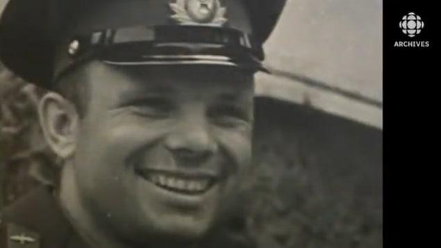 Youri Gagarine tout sourire.