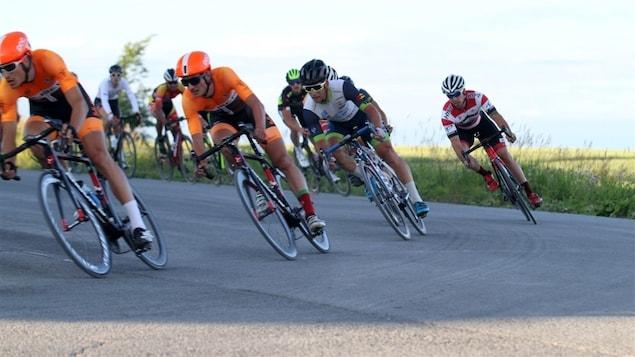 Des cyclistes à l'oeuvre au Grand prix cycliste de La Matapédia lors d'une édition précédente.