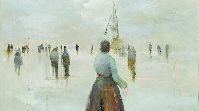 Peinture d'une femme qui regarde une foule et un bateau au loin.