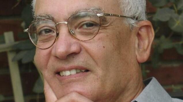 Gros plan de l'auteur Jean MOhsen Fahmy, en lice pour le Prix Dumitriu-van-Saanen avec le roman La sultane dévoilée, Ed. David.