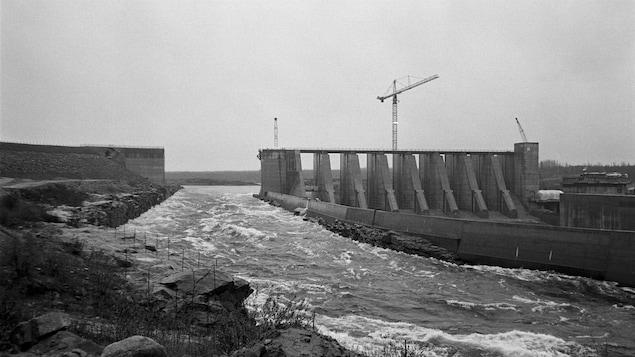 Vue du chantier hydroélectrique de la baie James en 1991.