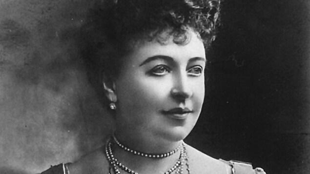 Détail d'une photo d'Emma Albani prise en 1904