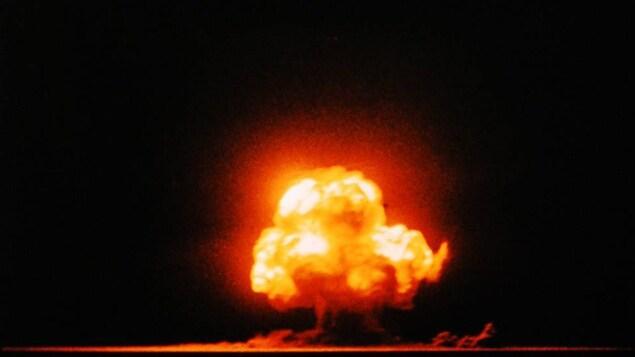 La première explosion nucléaire a été réalisée au Nouveau-Mexique en juillet 1945.