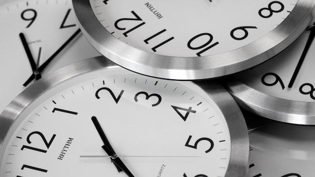 Horloges.