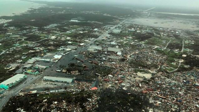 Une vue aérienne des îles Abacos, dans les Bahamas, montre l'étendue des dégâts infligés par l'ouragan Dorian.
