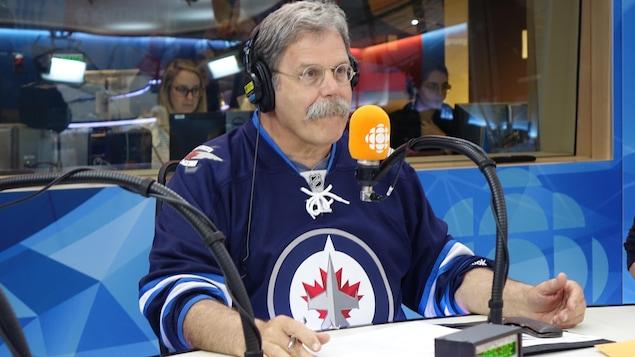 Le chroniqueur Jacques Nantel explique pour le logo des Jets de Winnipeg est un bon exemple de campagne de marketing efficace.