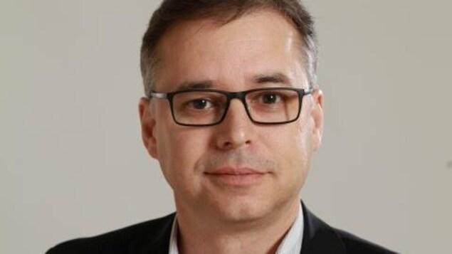 Portrait de Roger Pilon.