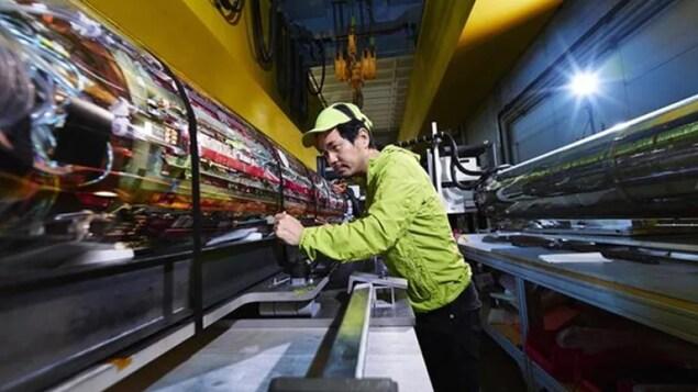 Le chercheur Makoto Fujiwara au CERN en Suisse.