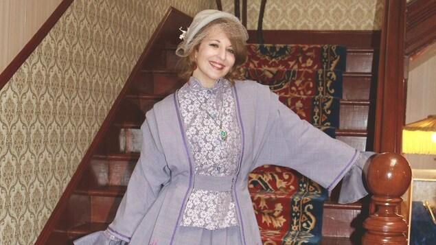 Leslie Garrido-Diaz costumé comme Henriette Forget dans la maison du Lieutenant gouverneur.