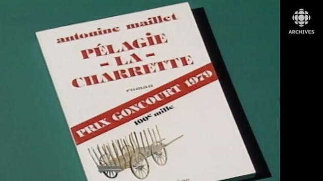 Page couverture pour les 100 mille exemplaires du roman d'Antonine Maillet Pélagie-la-Charette.