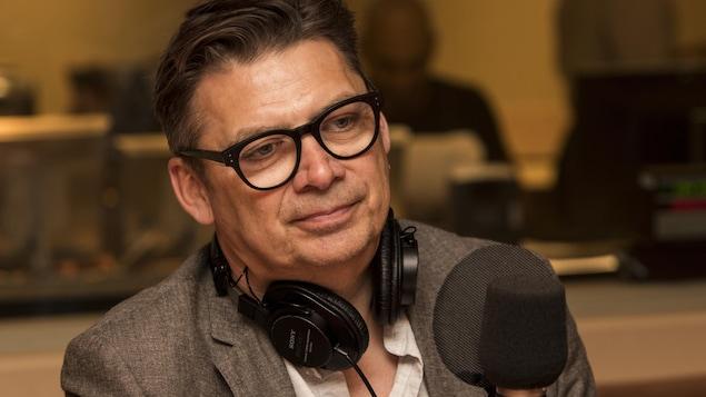 L'écrivain, chef d'antenne et journaliste d'enquête Michel Jean