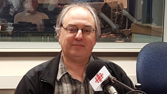 Le politologue et professeur Michel Roche