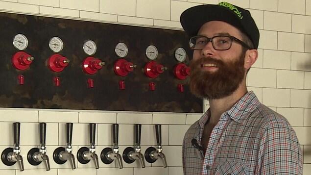 Éric Portelance, co-fondateur de la micro-brasserie Slake Brewing à Picton.