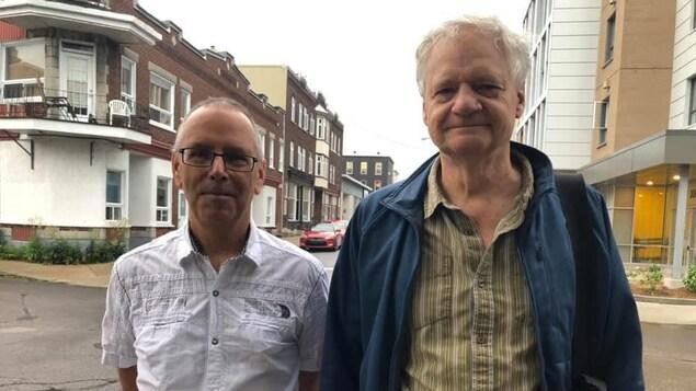 Pierre Duchesne et Pierre Fraser dans le quartier Saint-Sauveur à Québec