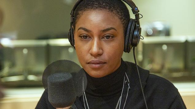 Dominique Fils-Aimé au micro de Catherine Perrin.
