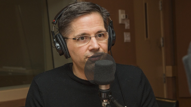 Denis Fortier au micro de Catherine Perrin