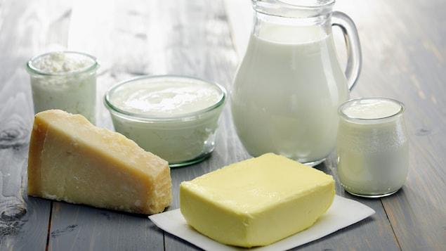 Du lait, du beurre, du fromage, de la crème et du yogourt