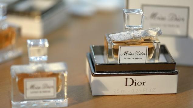 Des bouteilles du parfum Miss Dior, en 2013
