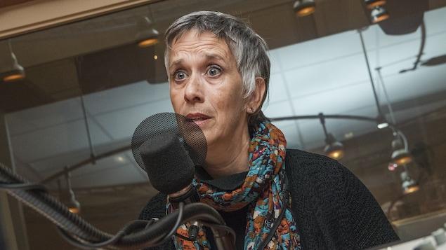 Renée Rivest au micro d'Isabelle Craig