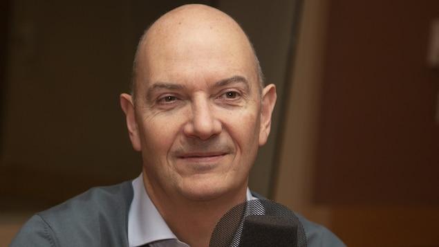 Roland Lescure au studio 18 de Radio-Canada, à Montréal, le 29 octobre 2018