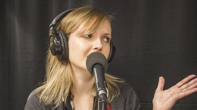 Chloé Varin au micro de Catherine Perrin