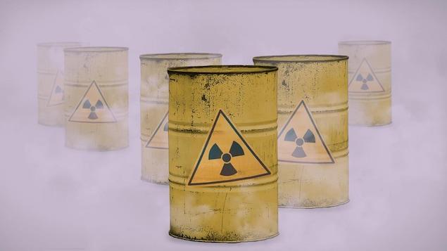 Barils de déchets radioactifs.